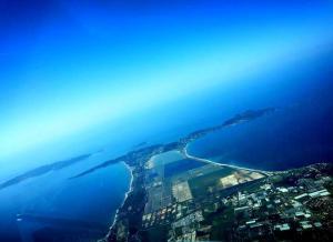 Vue aérienne de la Presqu'île de Giens (Photo Jean-Philippe Belen)